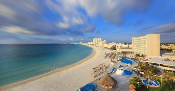 Отель Krystal Cancun 4*