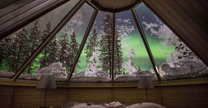 Northern Lights Village 4s*
