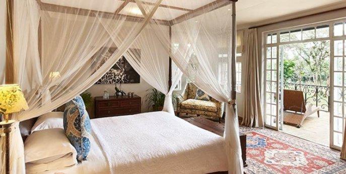 Кaren Blixen Suite, Эксклюзивный бутик-отель Giraffe Manor - Найроби, Кения