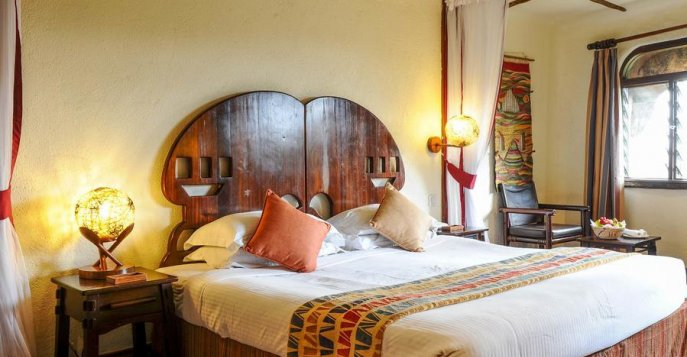 Отель Serengeti Serena Safari Lodge 4*, Танзания
