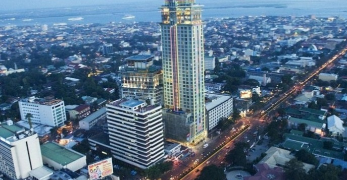 Отель Cebu Crown Regency Hotel and Towers 4*