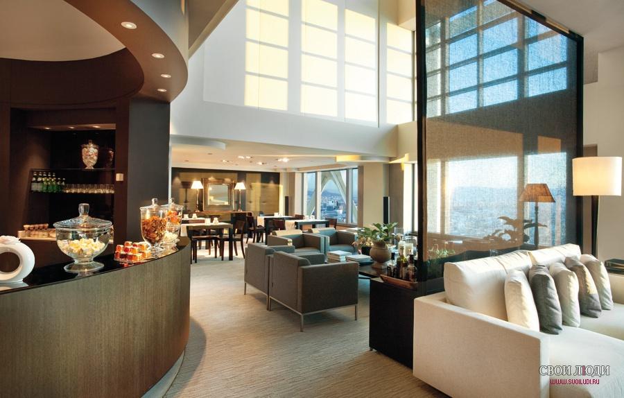 Комфортабельный отель The Ritz Carlton Hotel Arts