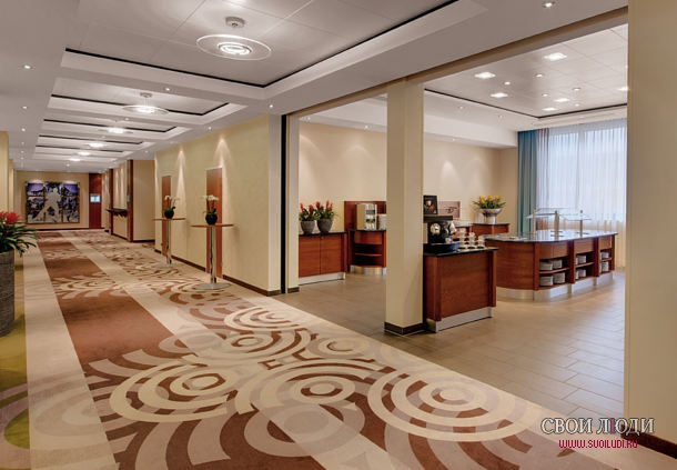 Отель Courtyard by Marriott Zurich North 5*