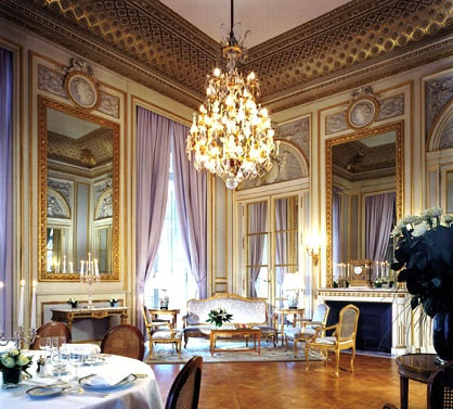 Отель De Crillon Palace 5*, Франция