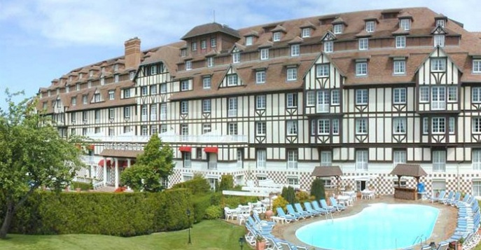 Отель Hotel du Golf Barriere 4*
