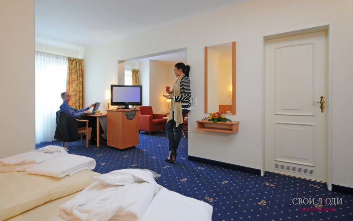 Отель Quality Hotel Princess 4*